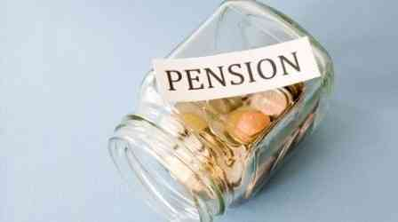 How does one evaluate a pension plan?