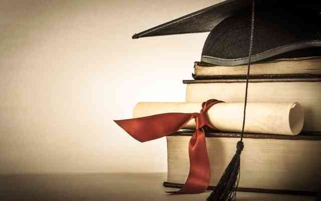 What are the Tax Benefits Available when Taking an Education Loan in 2012?